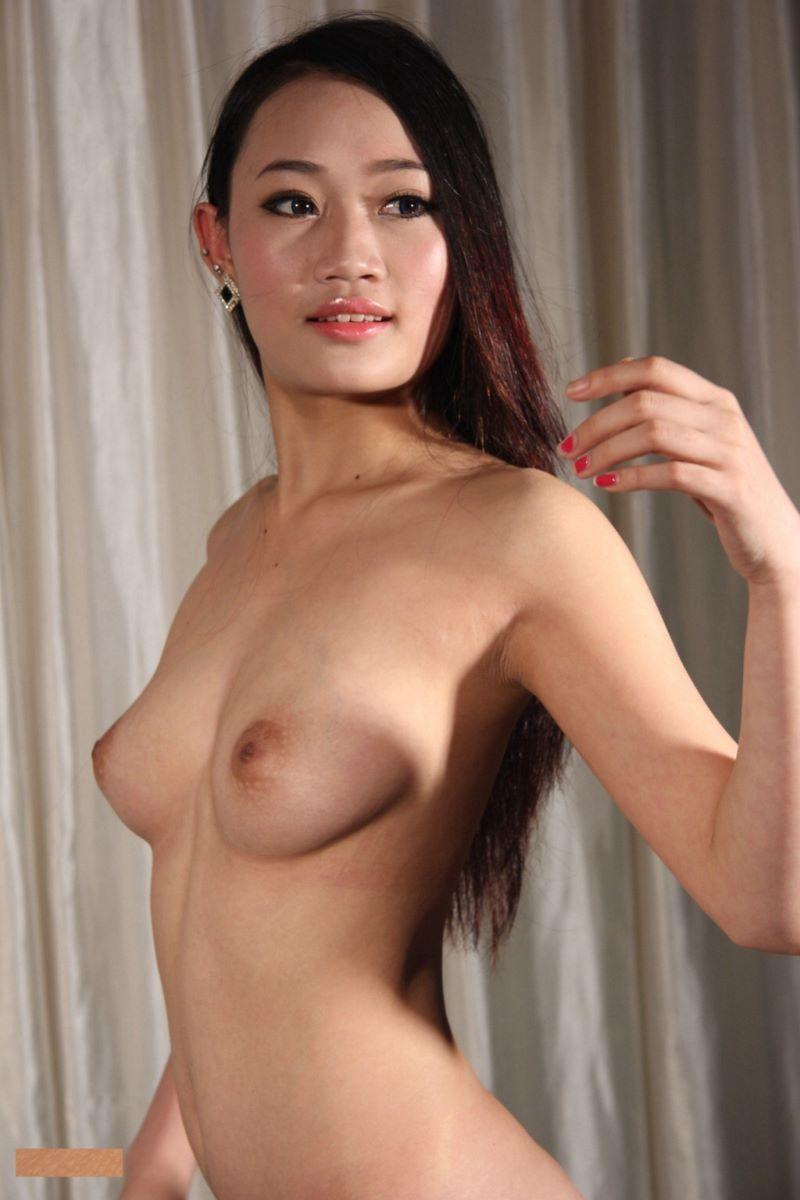 中国人女性のヌード画像 131