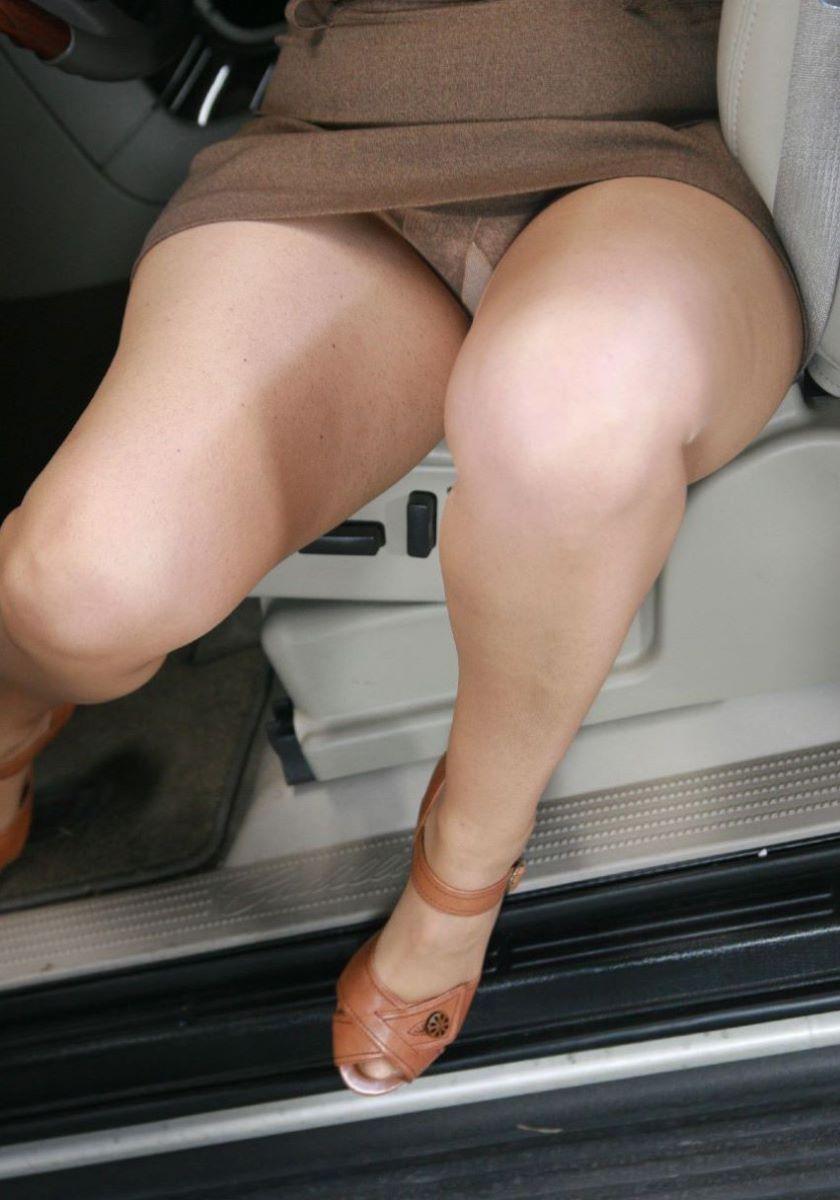 車の乗り降りパンチラ画像 3