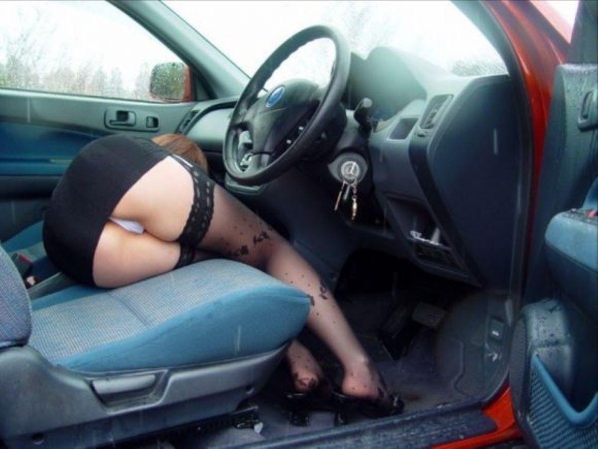 車内 パンチラ画像 70