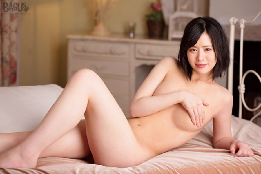 志田雪奈 清々しい雪肌美少女のセックス画像