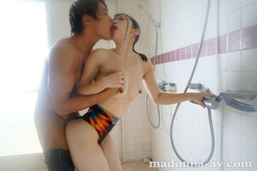 人妻・大浦真奈美の水泳教室セックス画像 9