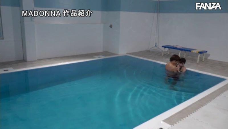 人妻・大浦真奈美の水泳教室セックス画像 41