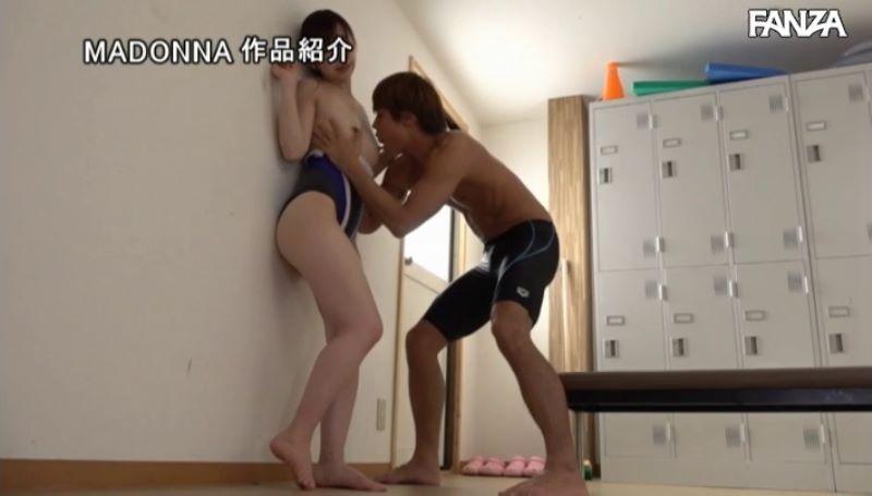 人妻・大浦真奈美の水泳教室セックス画像 60