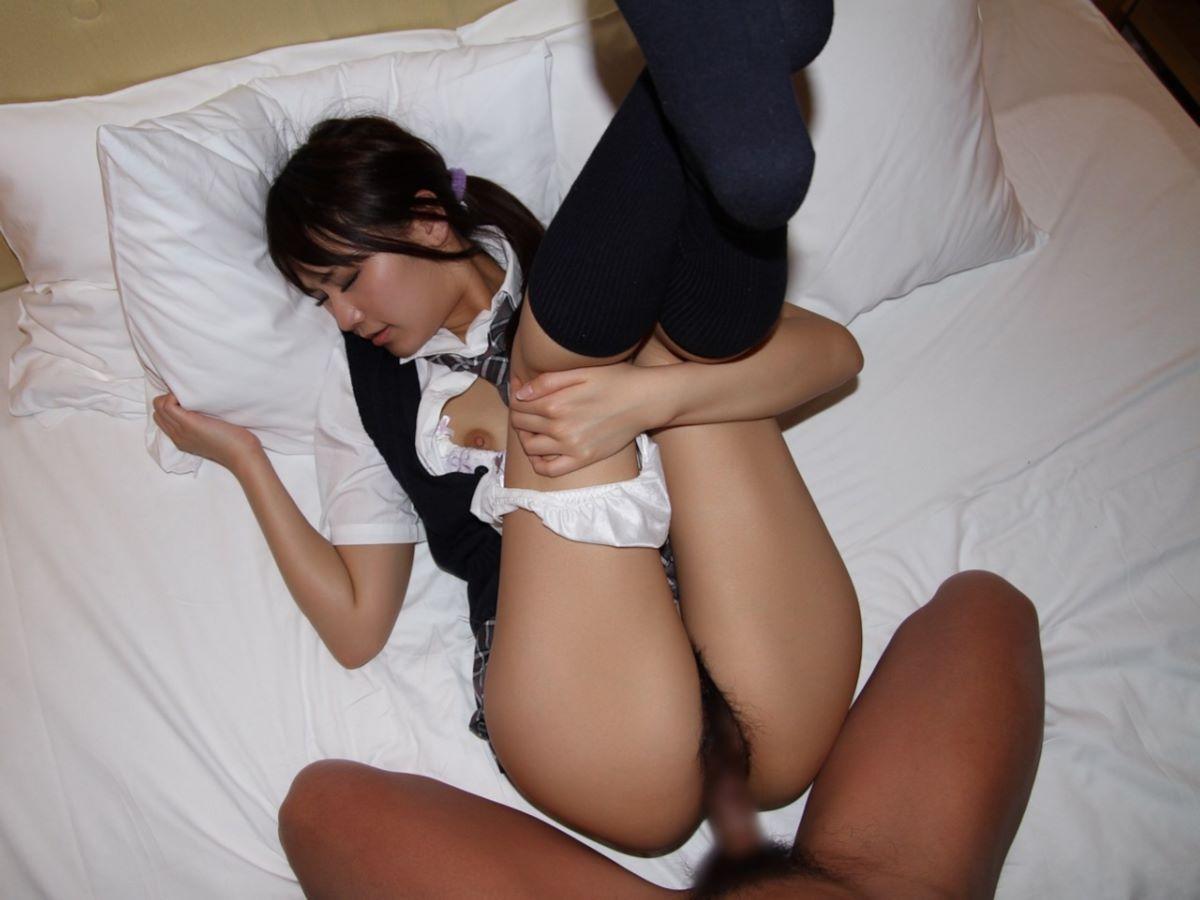 パンツ脱ぎかけの半脱ぎセックス画像 83