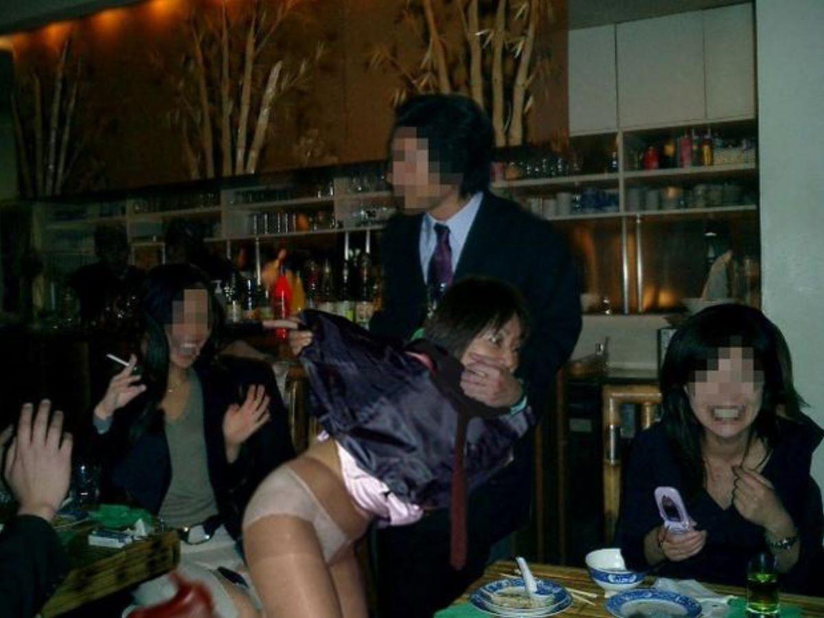 宴会など飲み会でのセクハラ・わいせつ画像 29