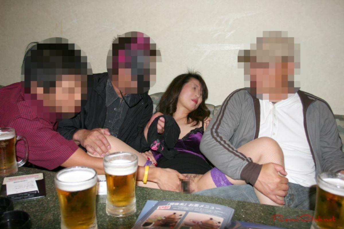 宴会など飲み会でのセクハラ・わいせつ画像 39