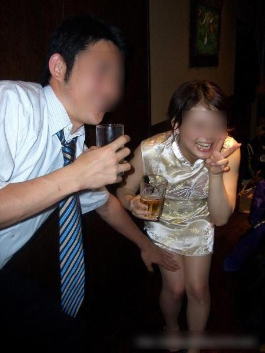 宴会など飲み会でのセクハラ・わいせつ画像 82