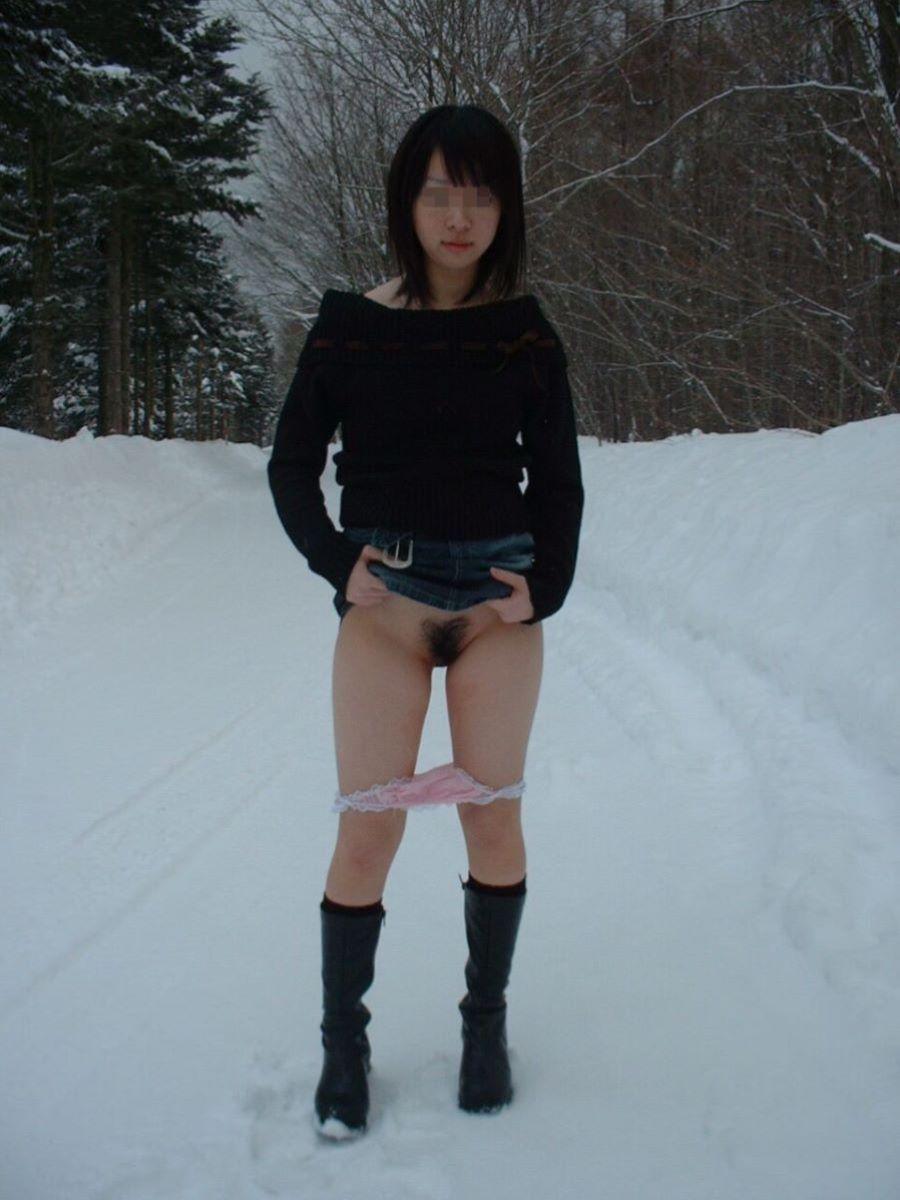 冬の野外露出画像 2
