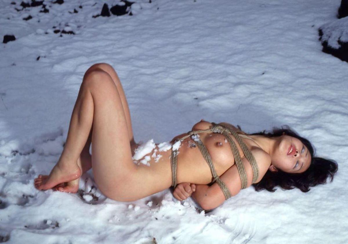 冬の野外露出画像 53