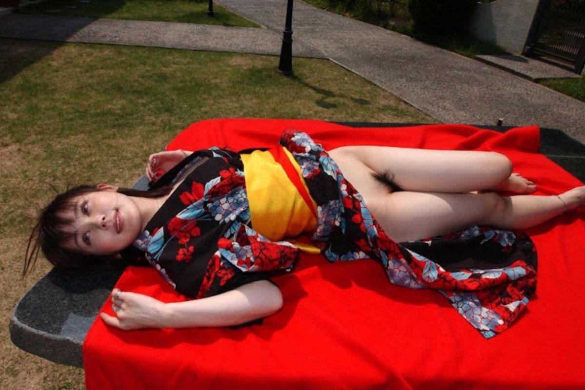 着物や浴衣の和服ノーパン画像 100