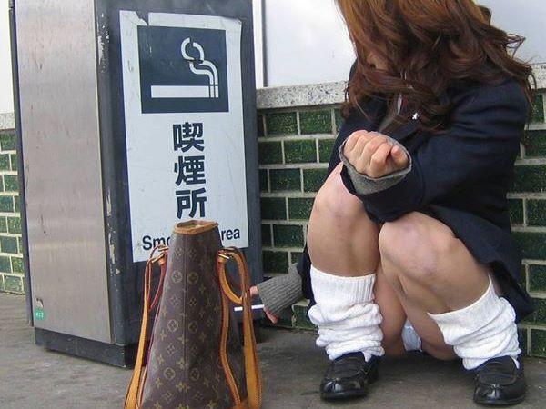 パンチラ JK エロ画像 2