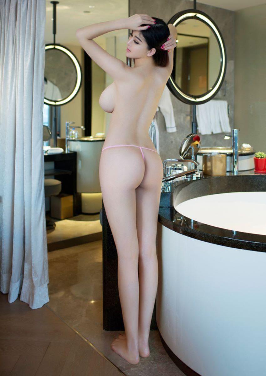 台湾美女のヌード画像 4