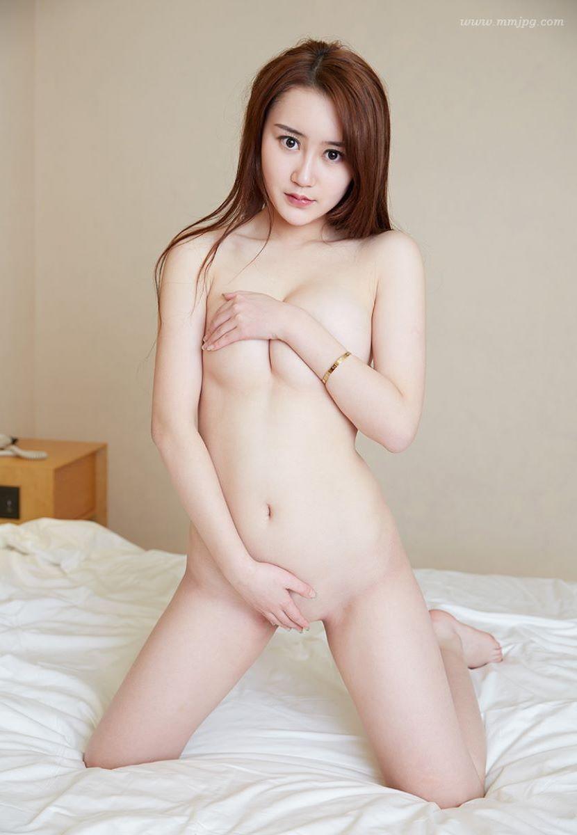 台湾美女のヌード画像 14