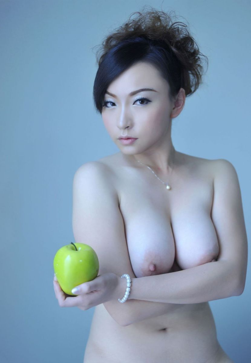 台湾美女のヌード画像 20