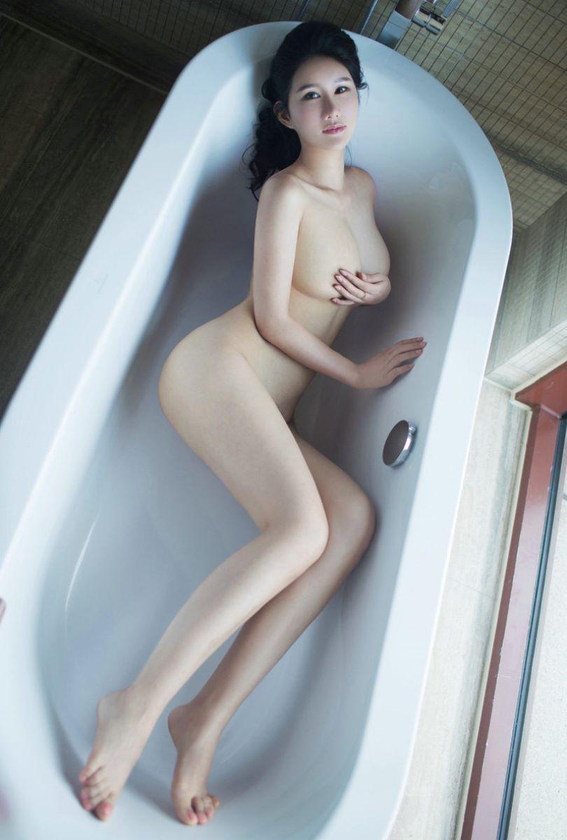 台湾美女のヌード画像 26