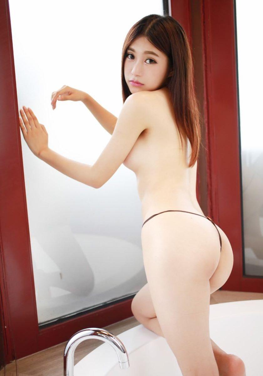 台湾美女のヌード画像 74