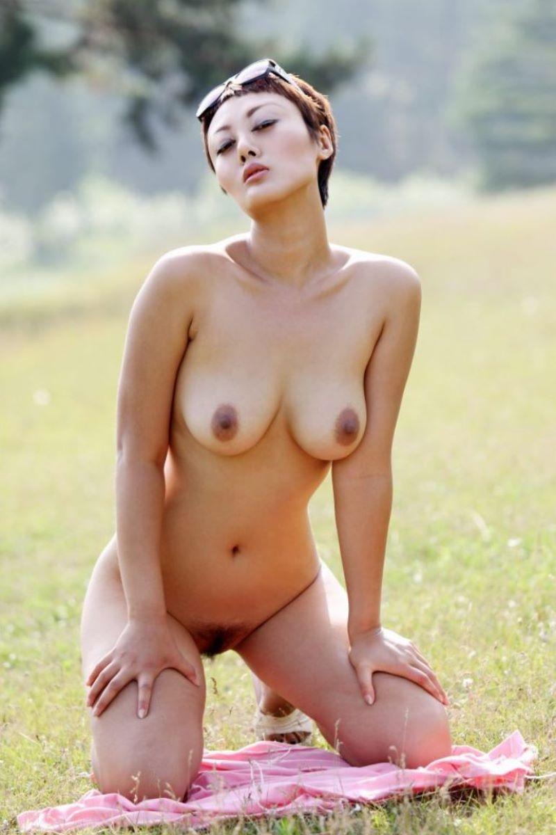 台湾美女のヌード画像 79