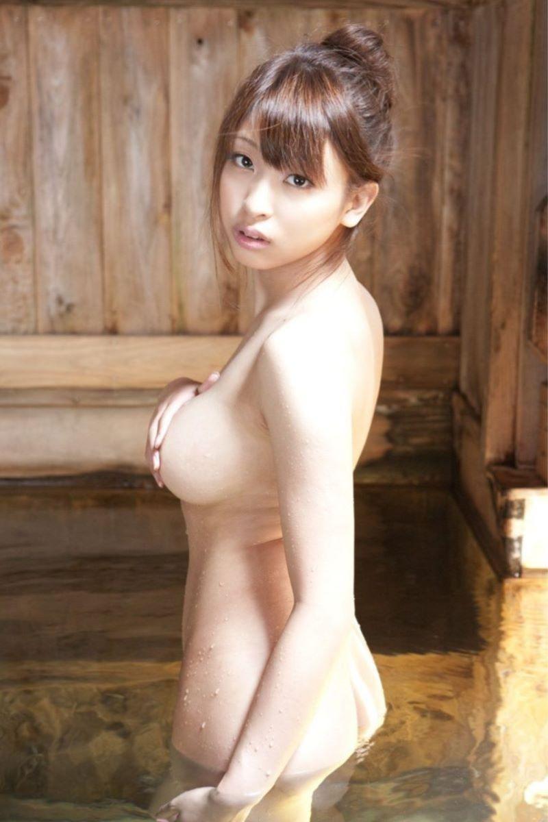 入浴 ヌード画像 6