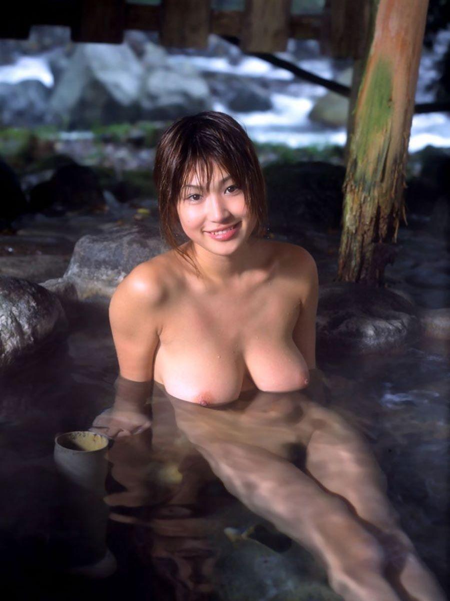 入浴 ヌード画像 8