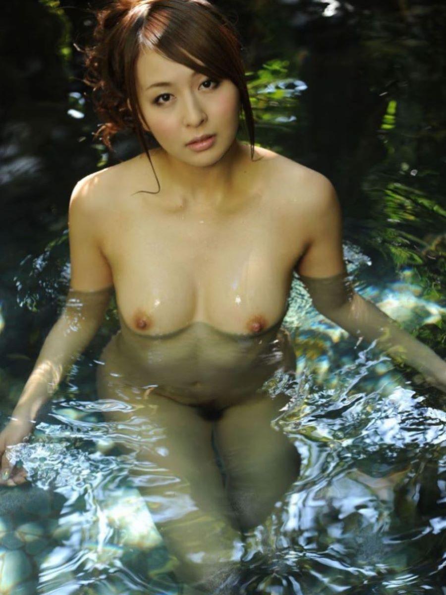 入浴 ヌード画像 73