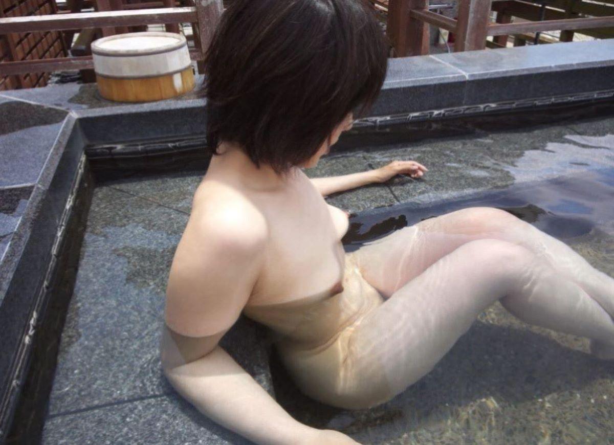 入浴 ヌード画像 75