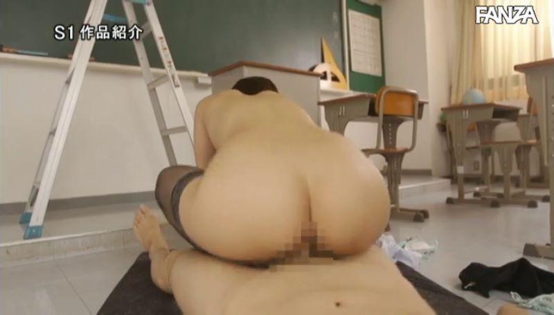 デカ尻先生 葵つかさ 騎乗位セックス画像 22