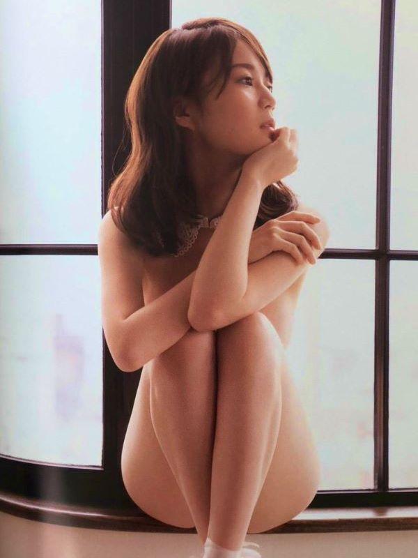 生田絵梨花 全裸 肘ブラ ヌード エロ画像 2