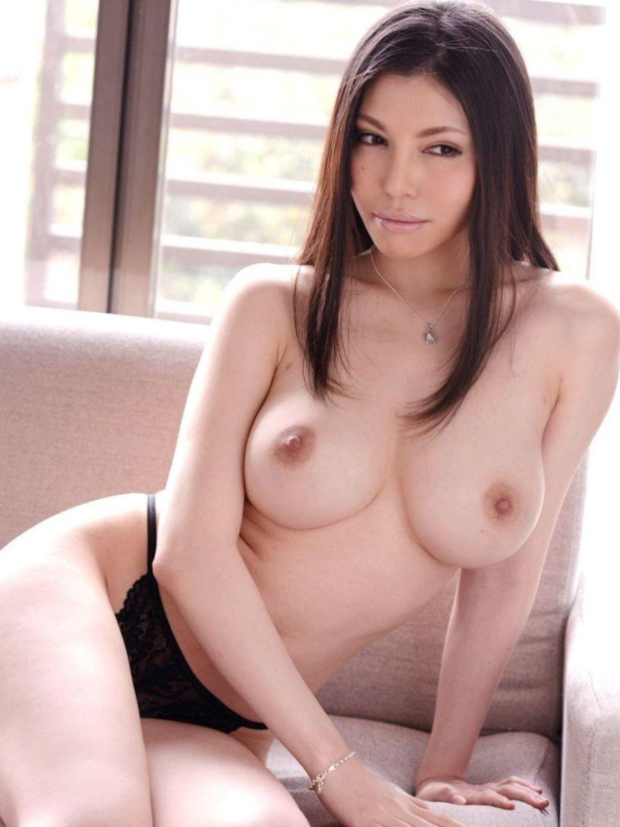巨乳 ヌード画像 46