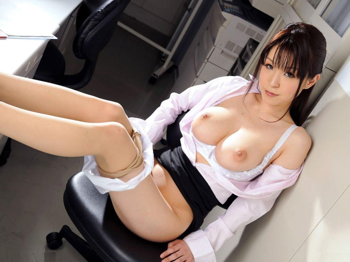 OLヌード画像!!オフィスで裸になる女子社員の130枚