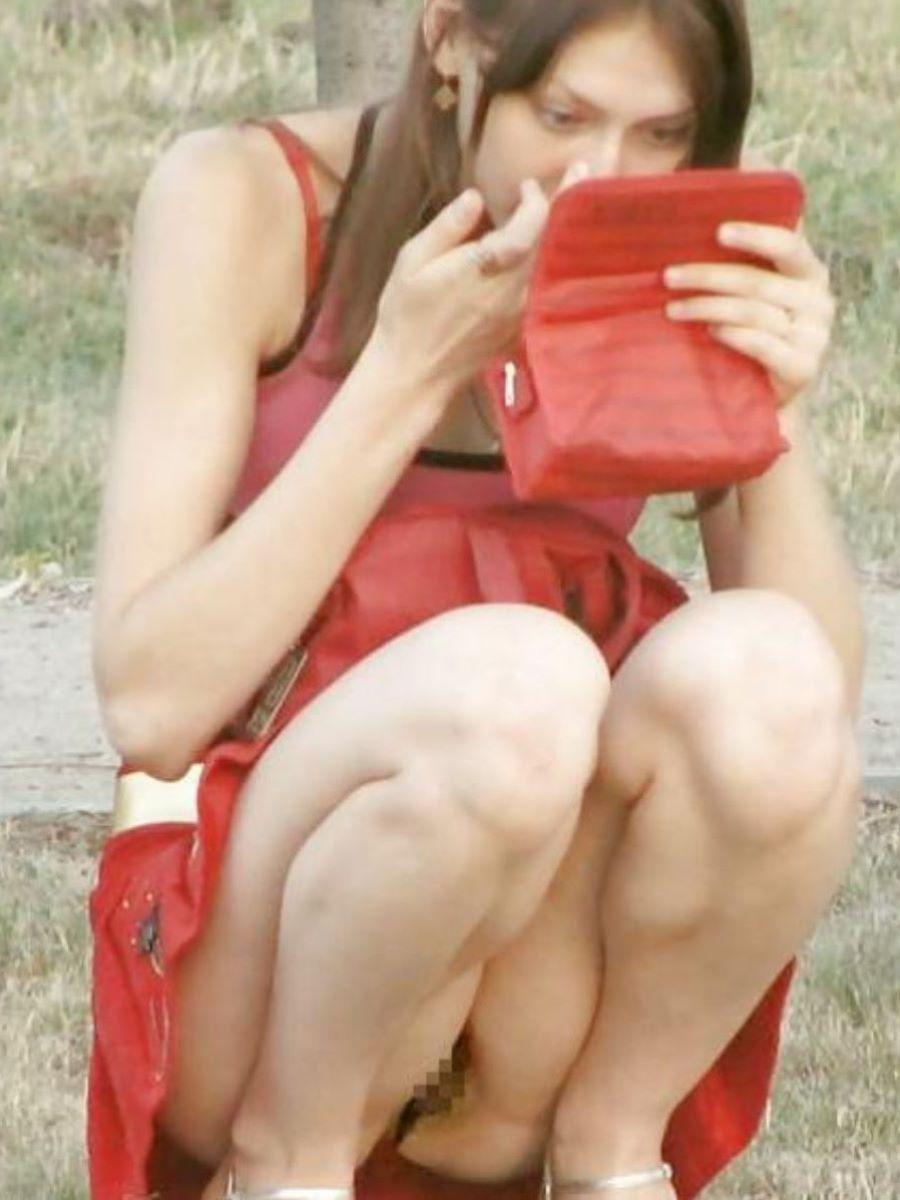 素人女性のノーパン画像 51