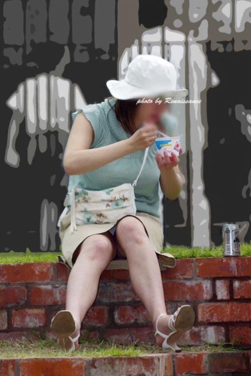 子連れママ パンチラ画像 134