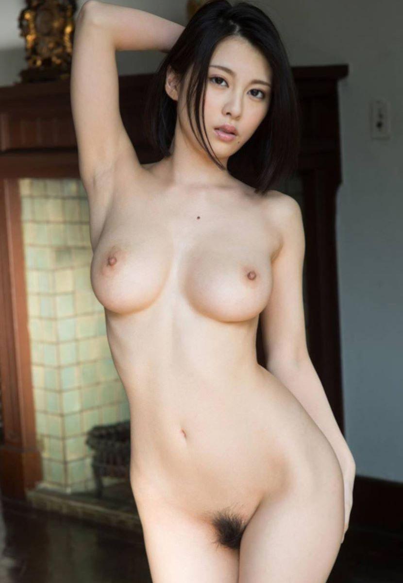 フルヌード画像!!スタイル抜群な全裸女性の120枚