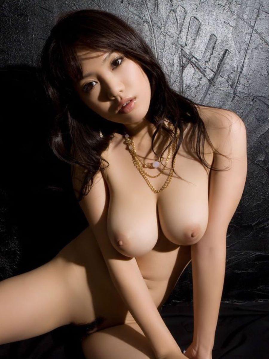 爆乳 ヌード画像 13