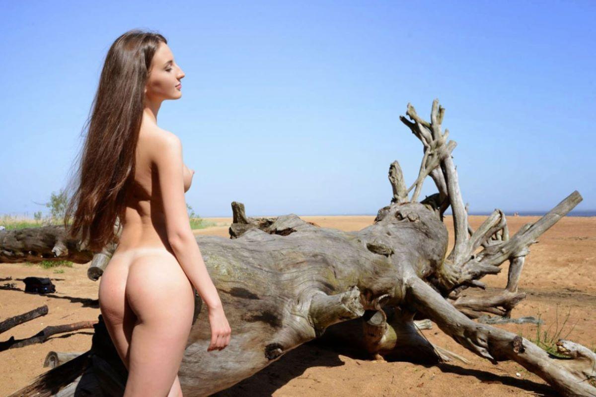 大自然の野外ヌード画像 54