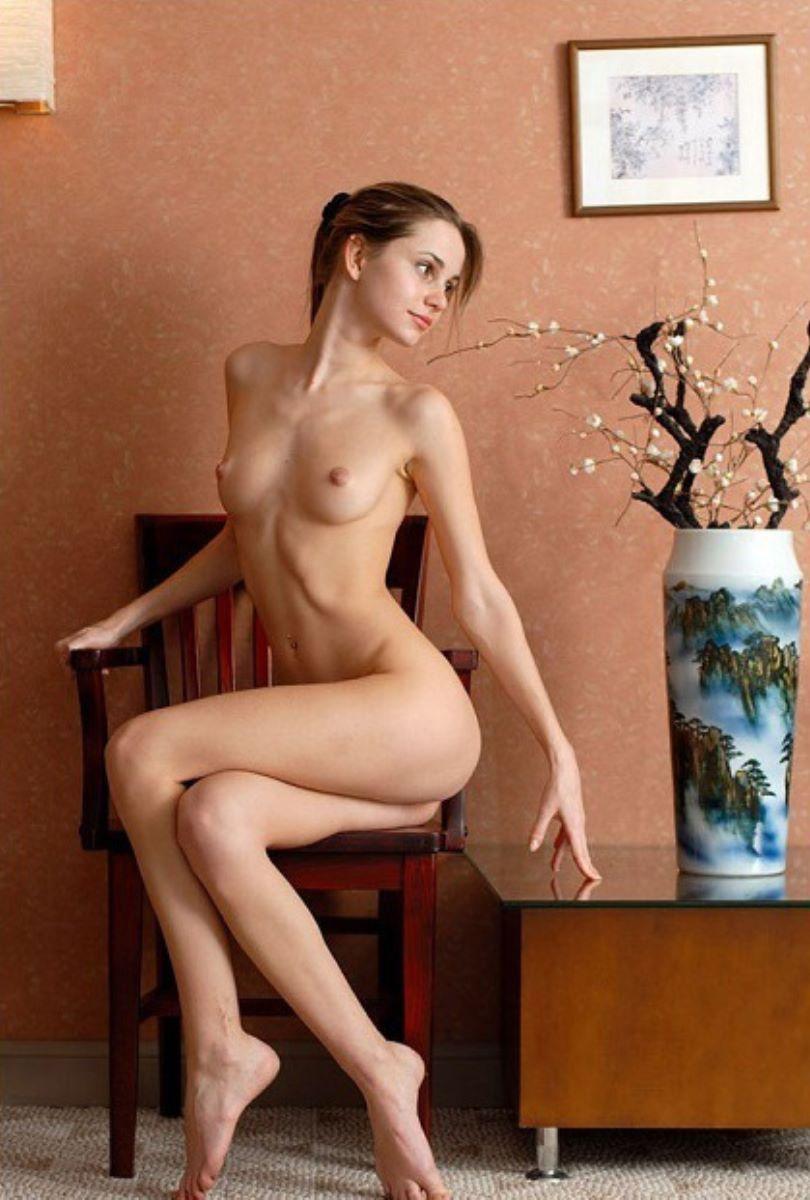 美少女ヌード画像 1