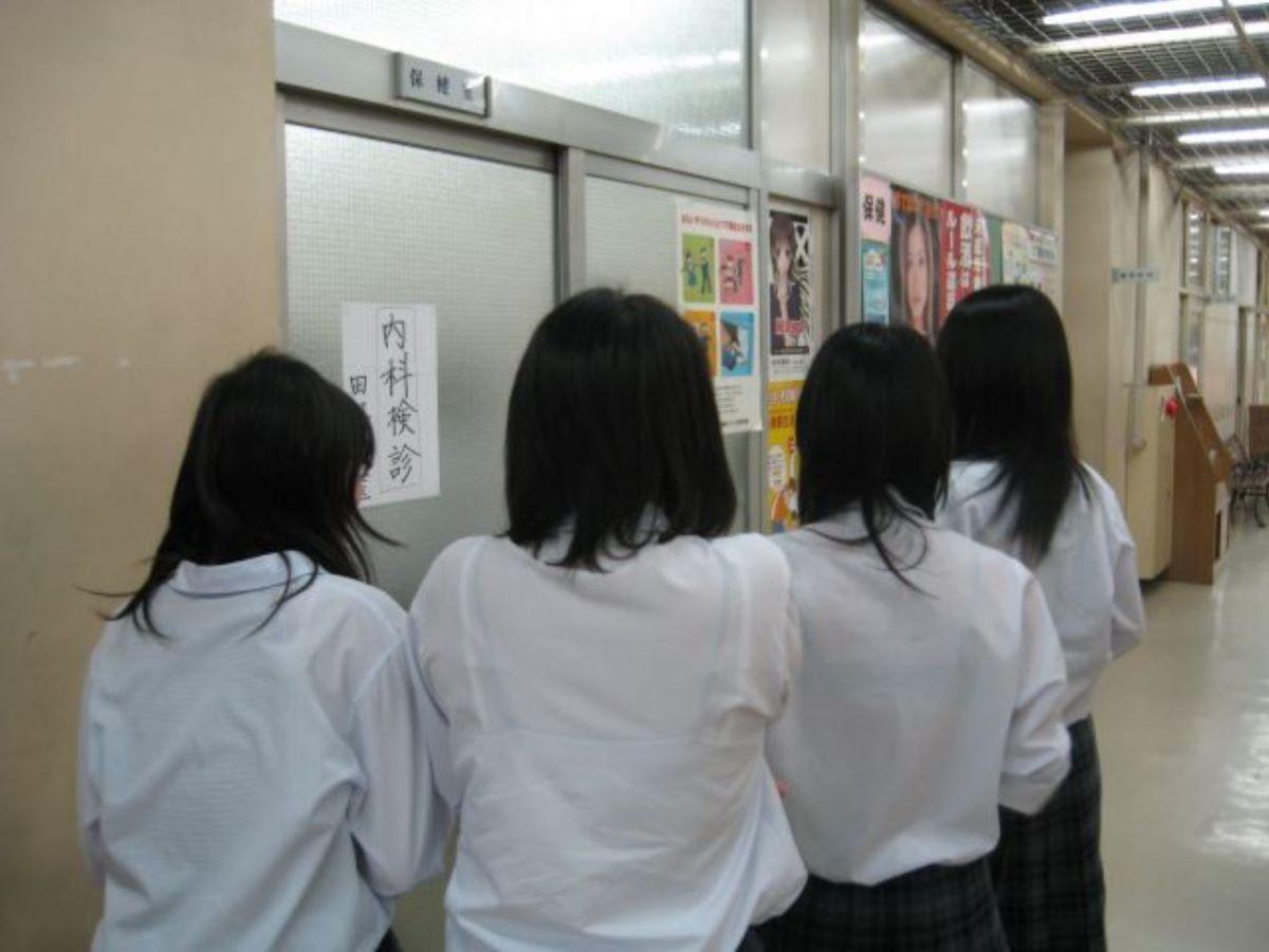 制服JK 透けブラ画像 8