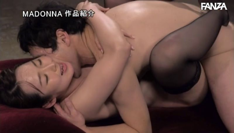 人妻キャビンアテンダント 桜樹玲奈 セックス画像 57