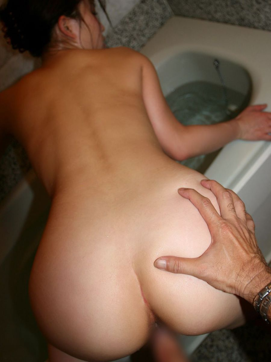 デカ尻の後背位セックス画像 28