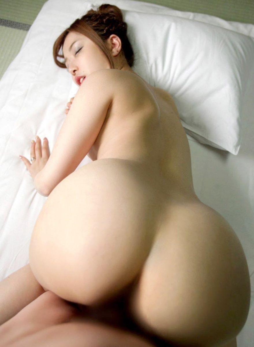 デカ尻の後背位セックス画像 38