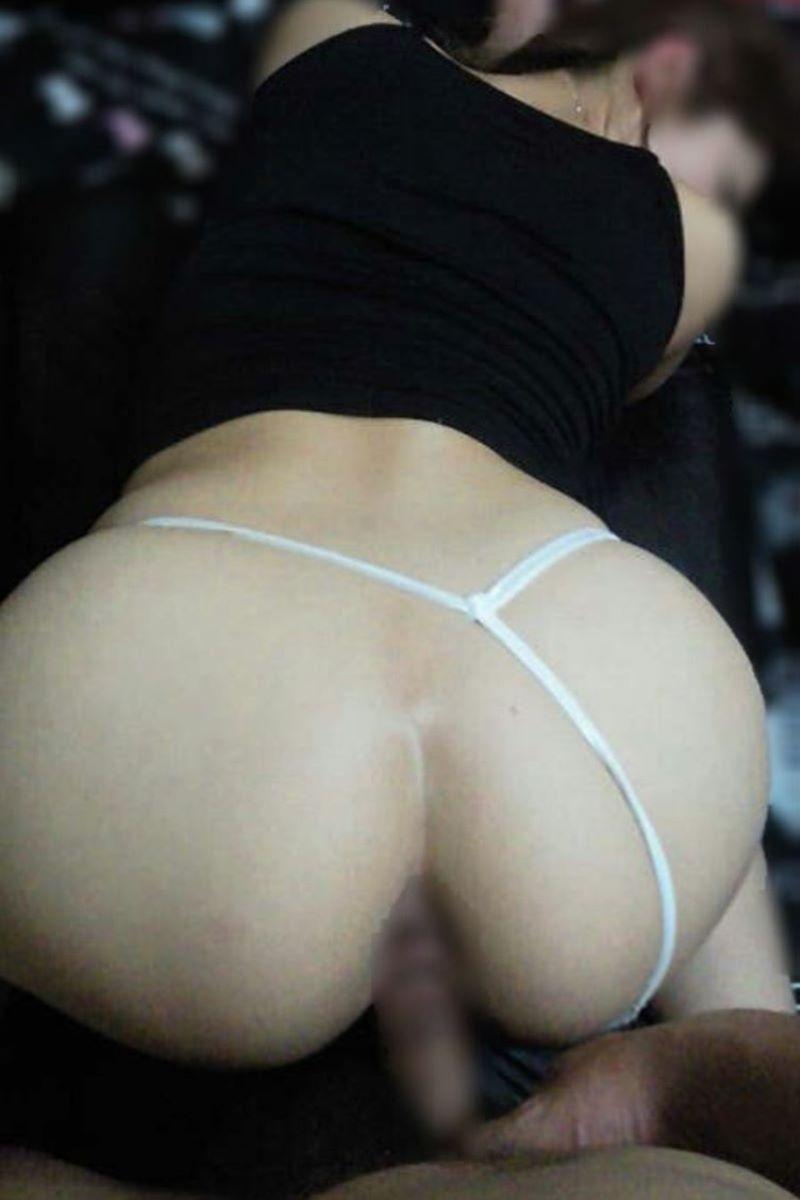 デカ尻の後背位セックス画像 56