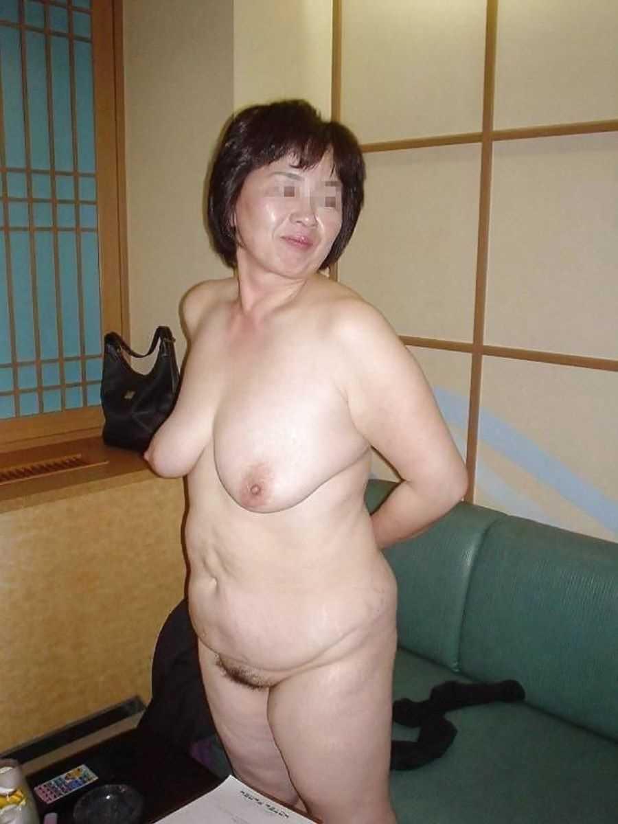 熟女の垂れ乳画像 43