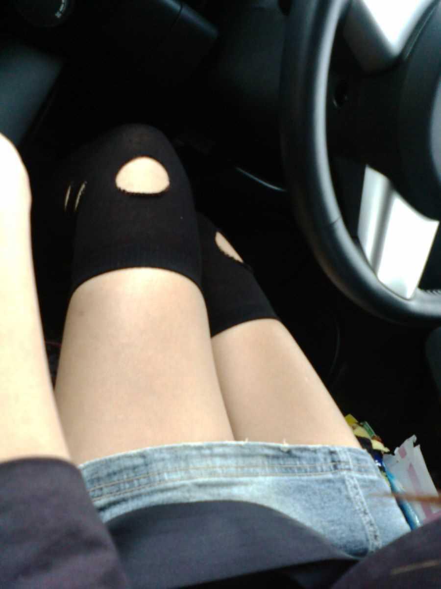 車内 ミニスカ画像 23