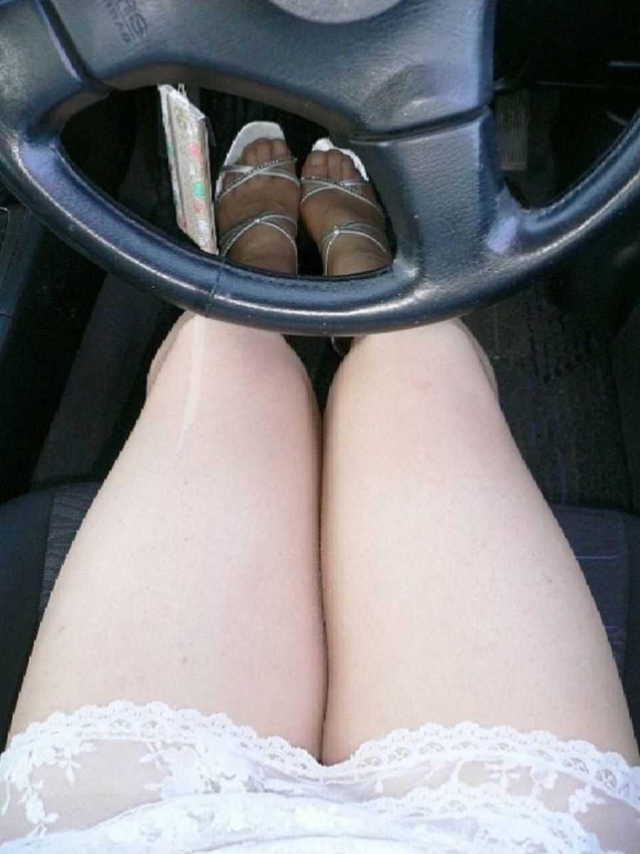 車内 ミニスカ画像 78