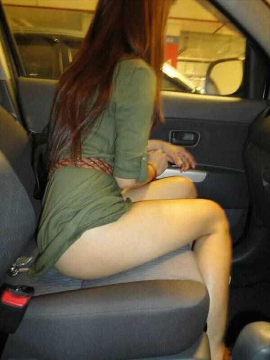 車内 ミニスカ画像 107