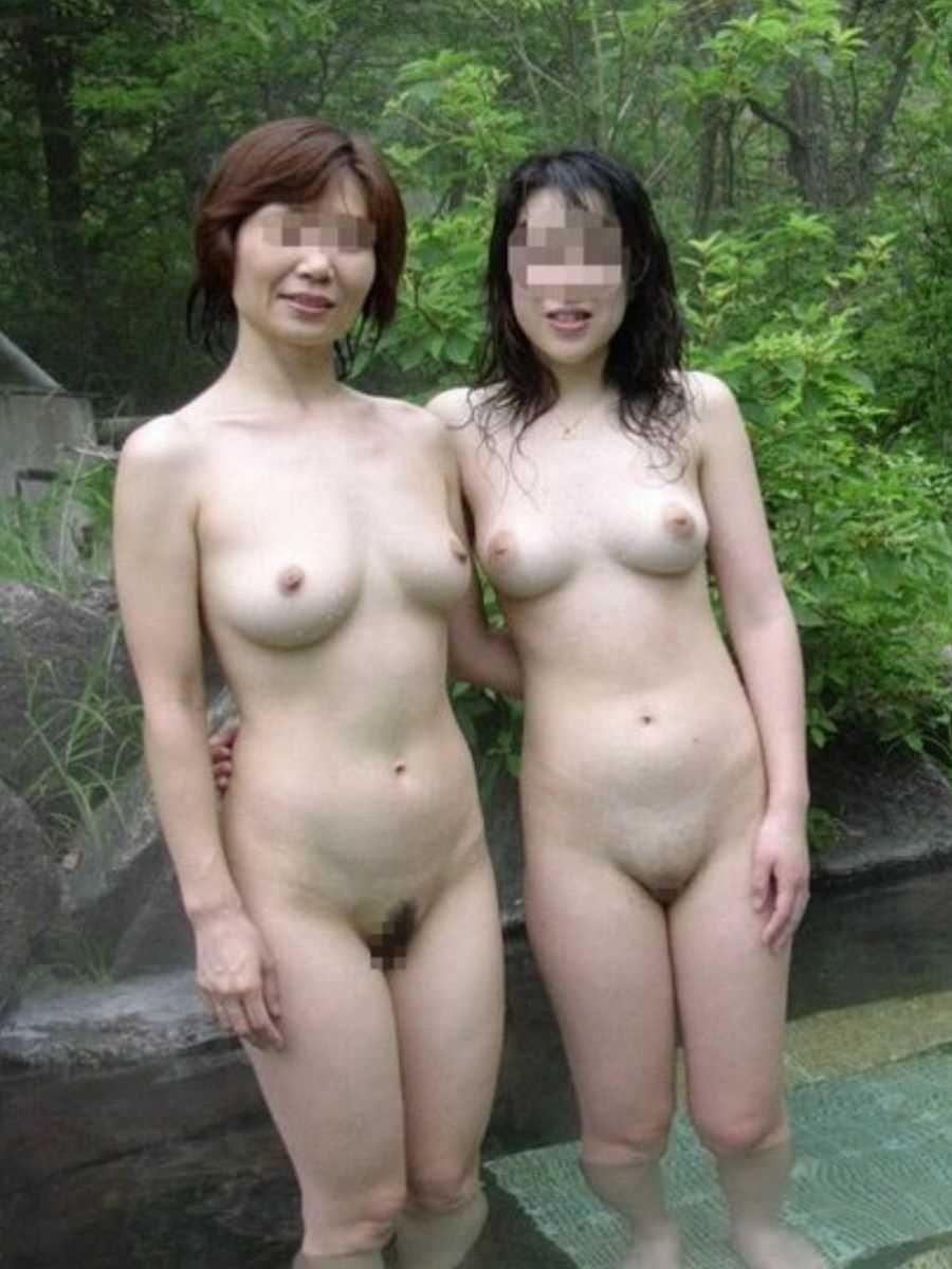 温泉や風呂場の素人おふざけ画像 16