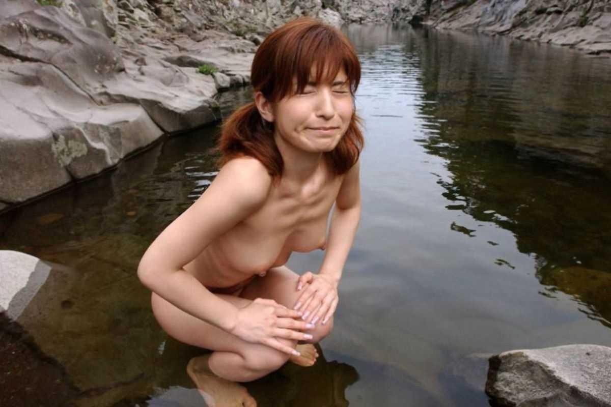温泉や風呂場の素人おふざけ画像 38