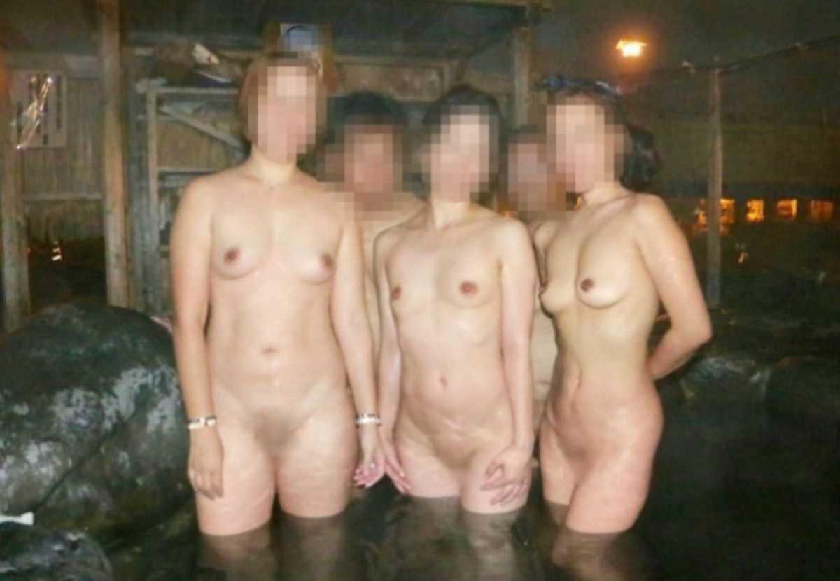 温泉や風呂場の素人おふざけ画像 63