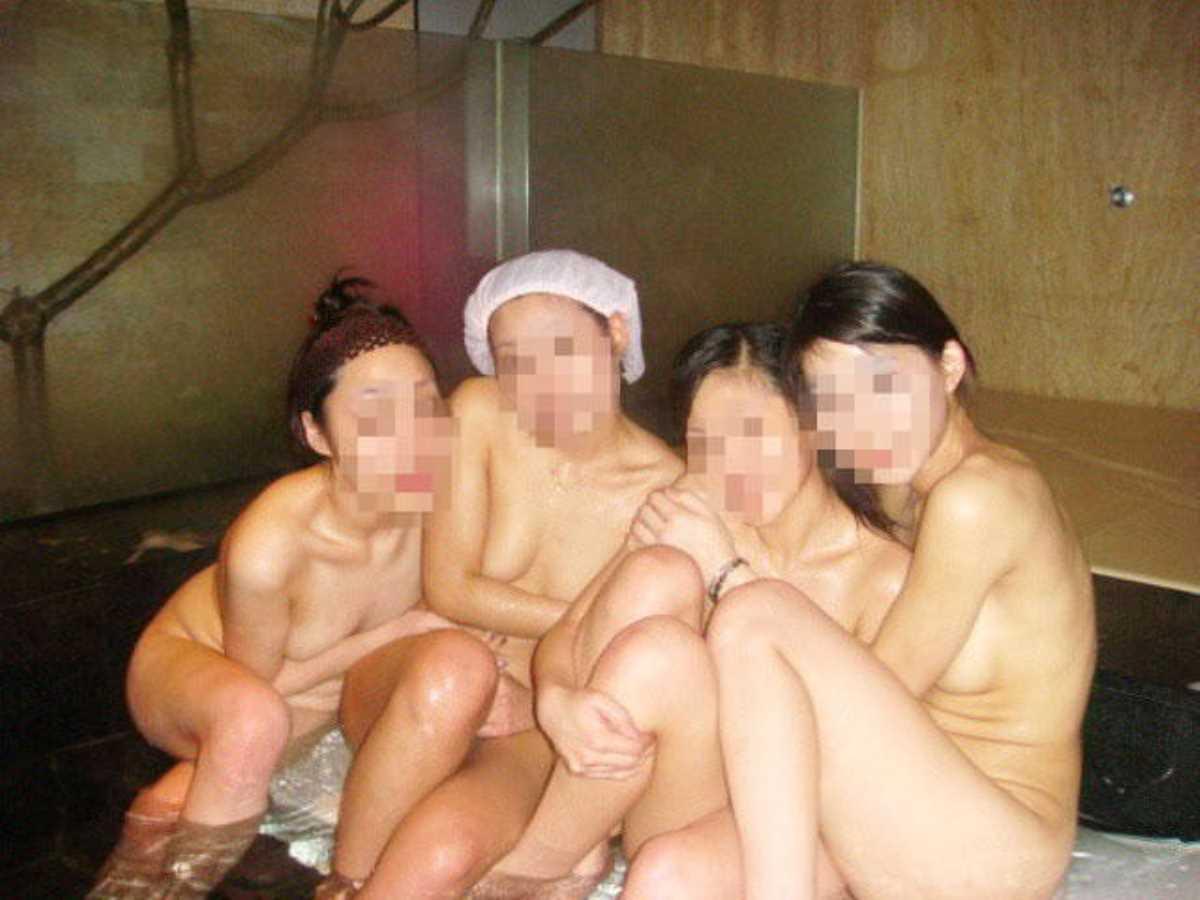 温泉や風呂場の素人おふざけ画像 81