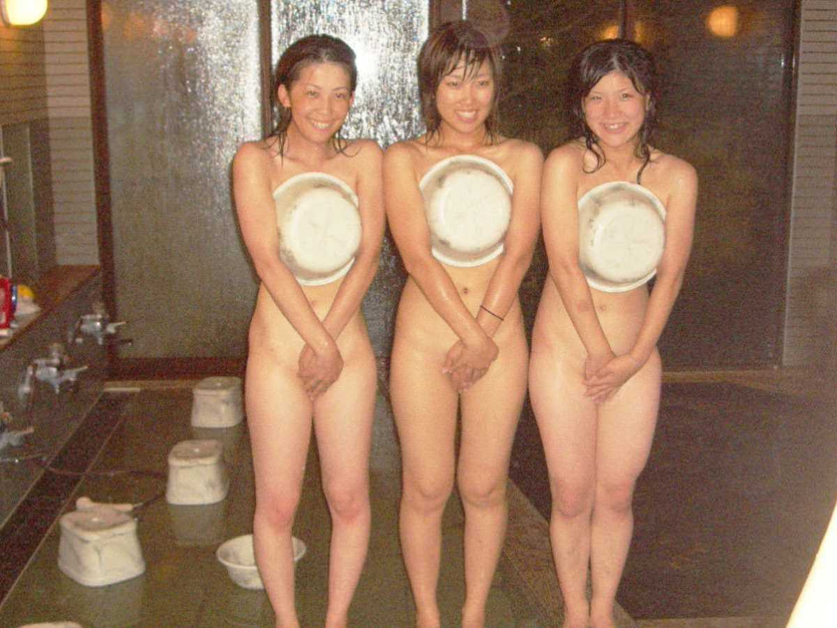 温泉や風呂場の素人おふざけ画像 92