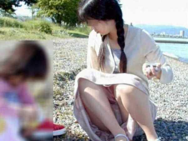 パンチラ 子育てママ エロ画像 1